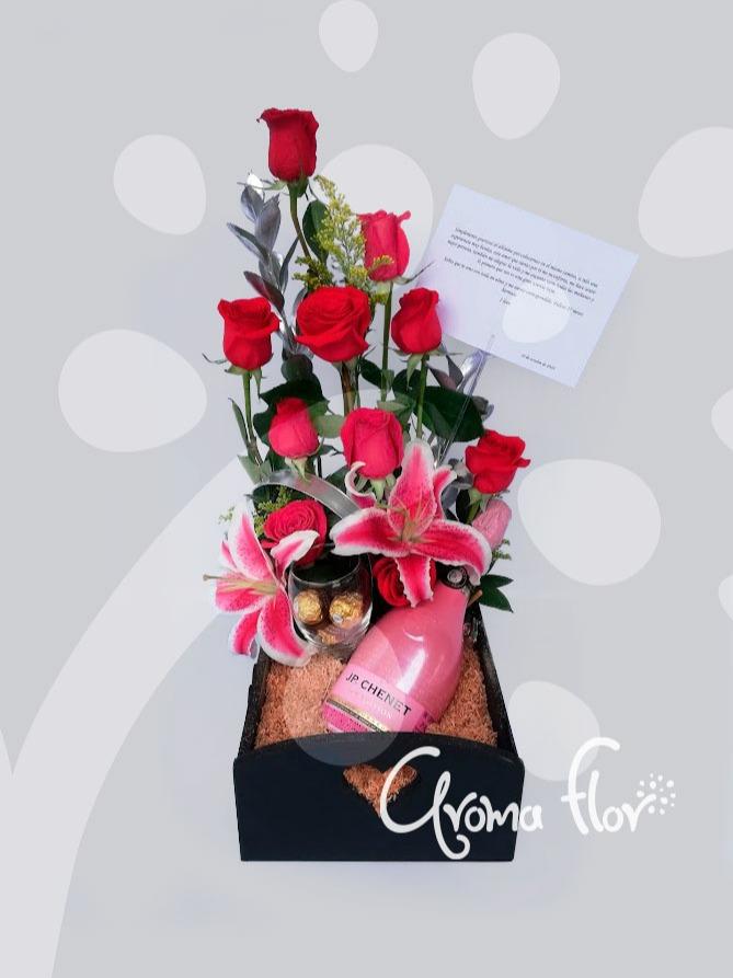 Elegancia 12 rosas.
