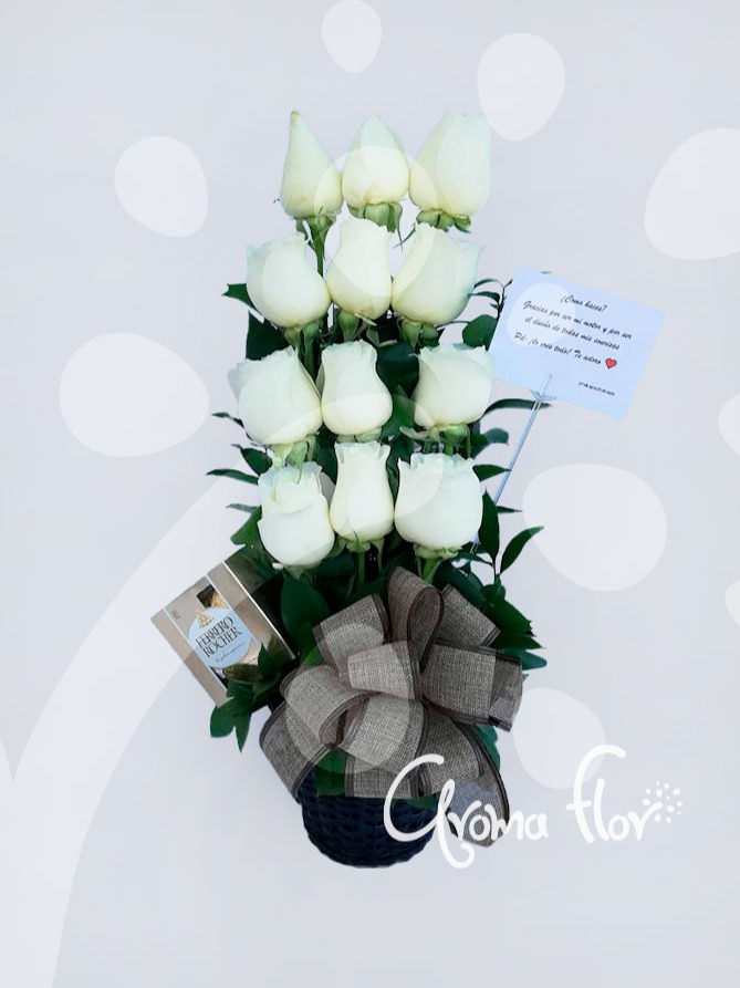 Detalle con Rosas Blancas