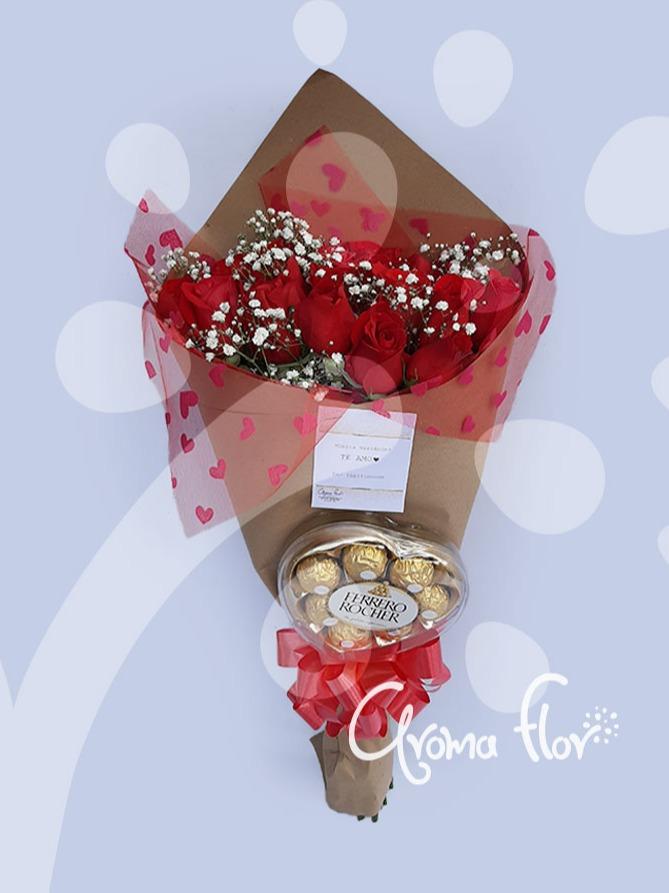 Cono de rosas y chocolates