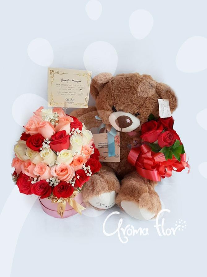 Ternura de oso con rosas