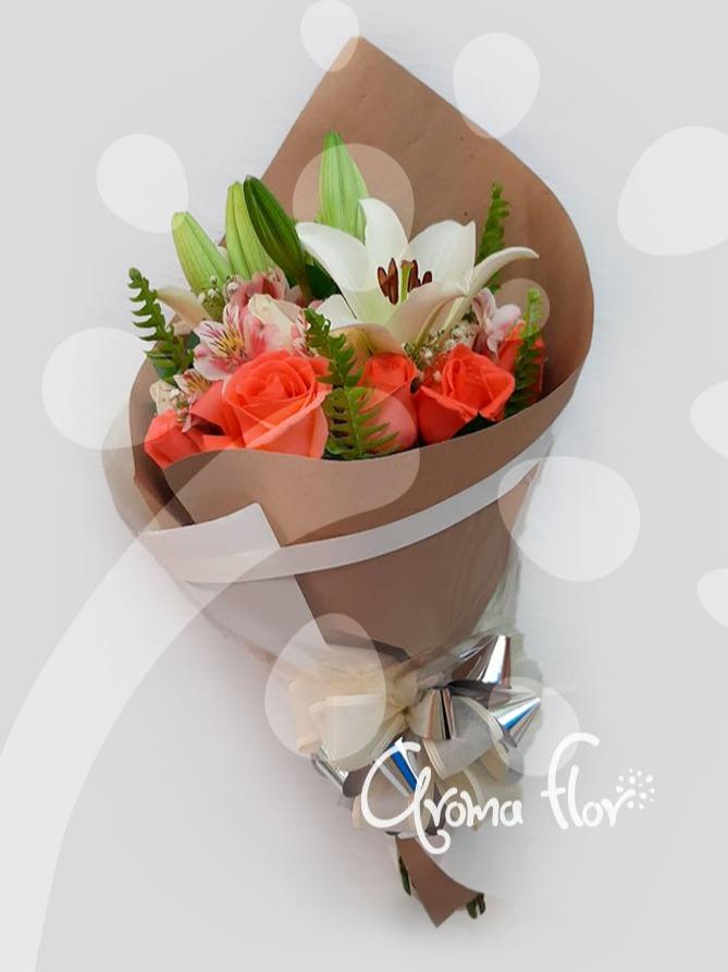 Bouquet rosas y lirios