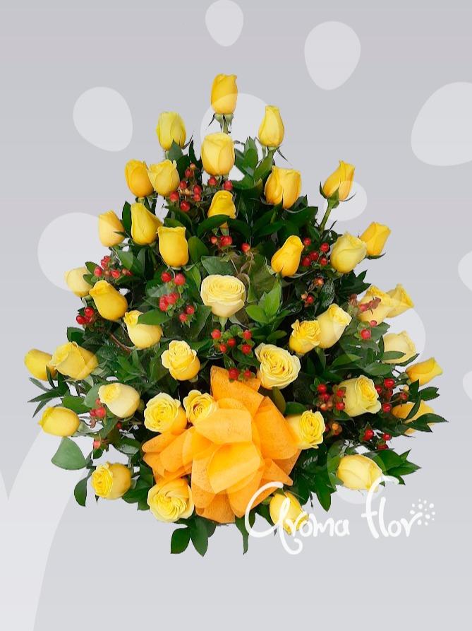 Pirámide Del Amor Rosas Amarillas.
