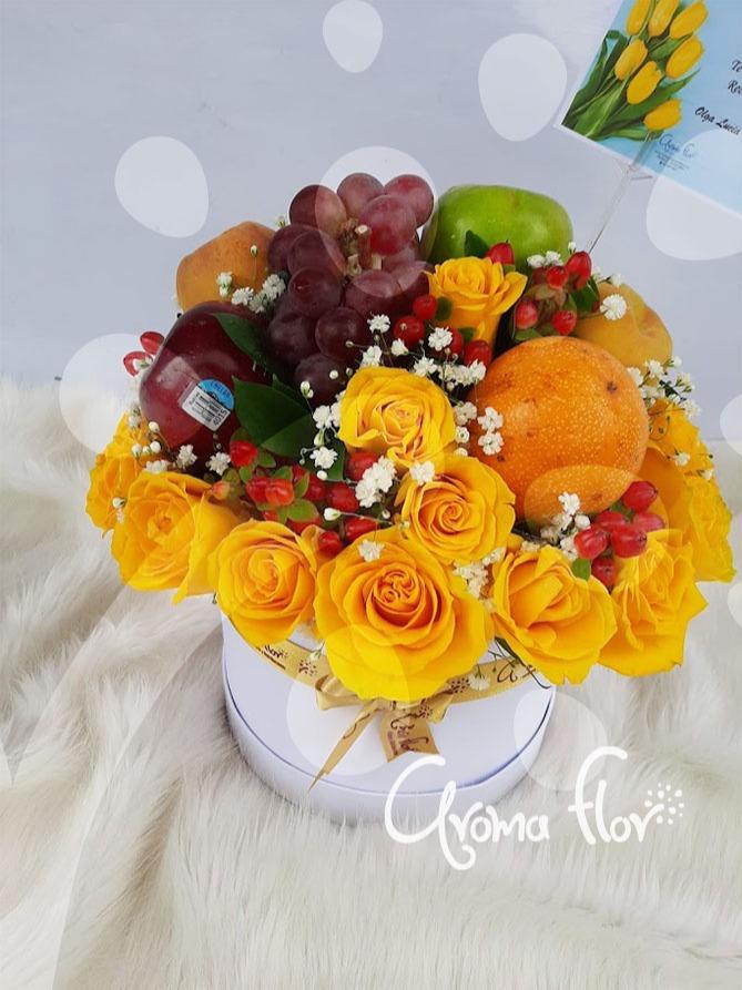Caja Rosas y frutas